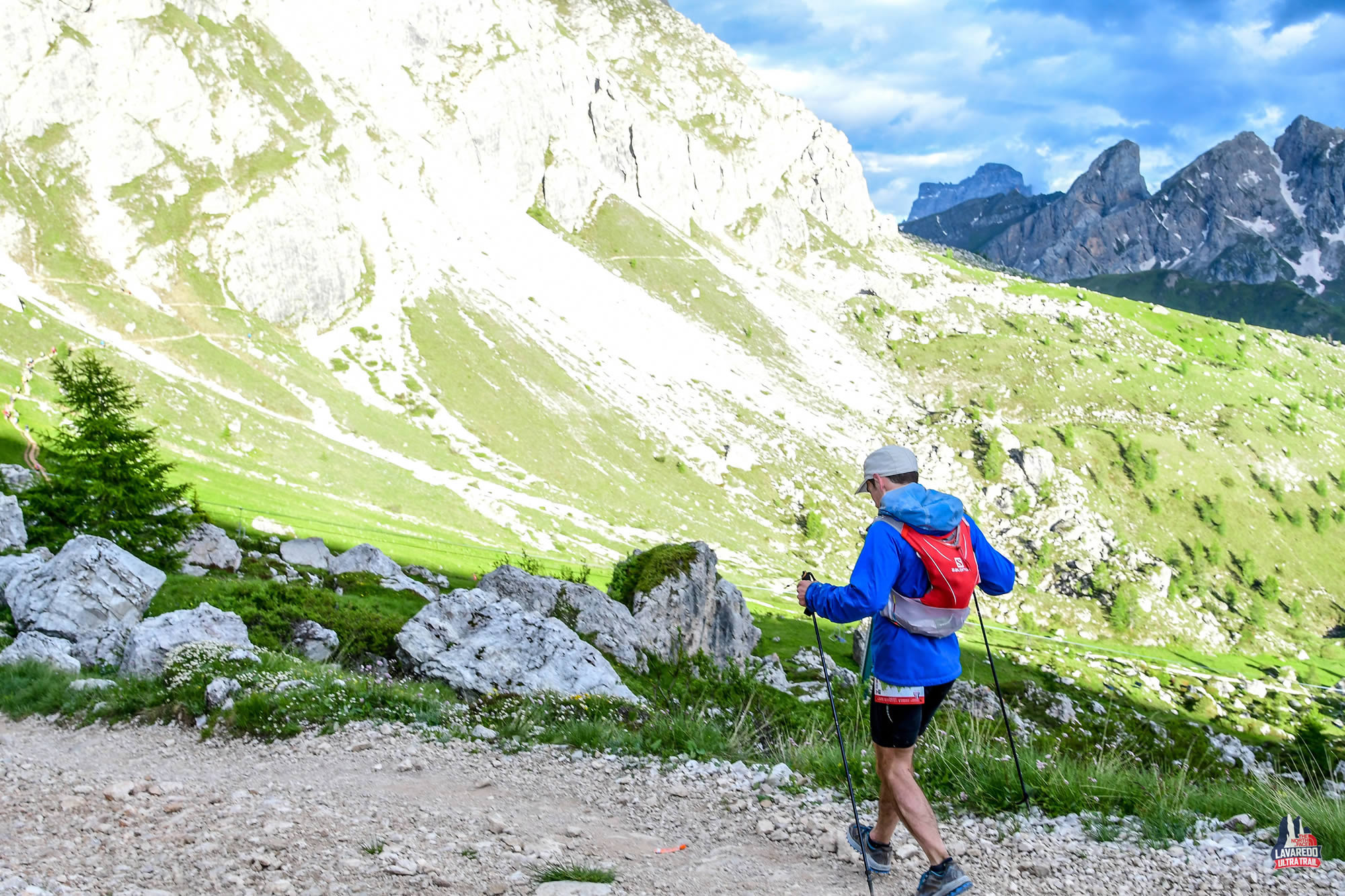 The trail down from Refugio Auronzo, Lavaredo Ultra Trail