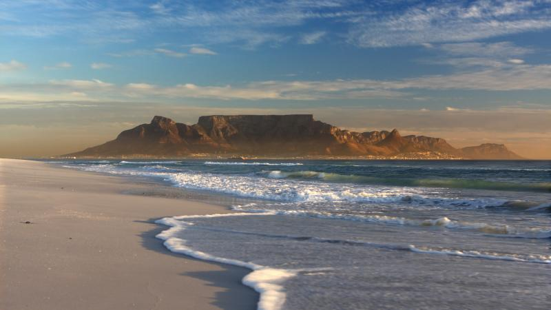http://www.shutupandrun.co.uk/SUARBlog/TWDCCMSv5/CMS/GalleryImages/max800w16x9/tableMountain16x9.jpg
